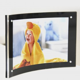 Curved Magnetic Acrylic Photo Frames - Horizontal or Landscape Display only